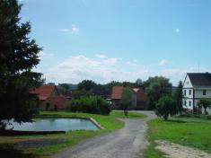 Rybníček vhorní části obce